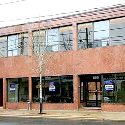 Dundas West 890 Feature Image 1